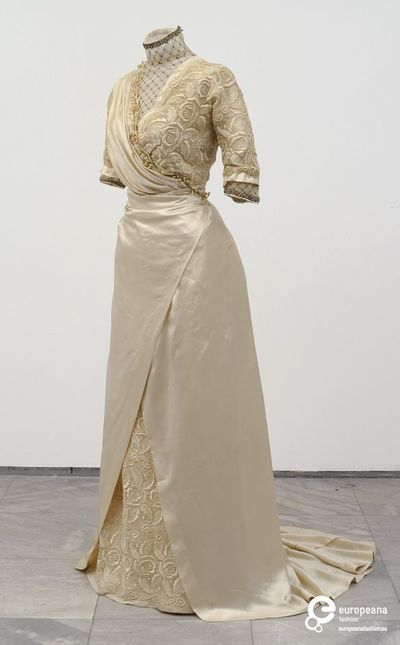 d9c0cbb1e82 Silk and Lace Wedding Gown Worn By Danica Paligorić When She Married  Infantry Major Nikola Jorgovanović