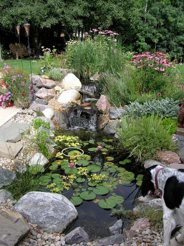 Bassin d 39 eau dans le jardin 85 id es pour s 39 inspirer for Agrandissement maison houilles