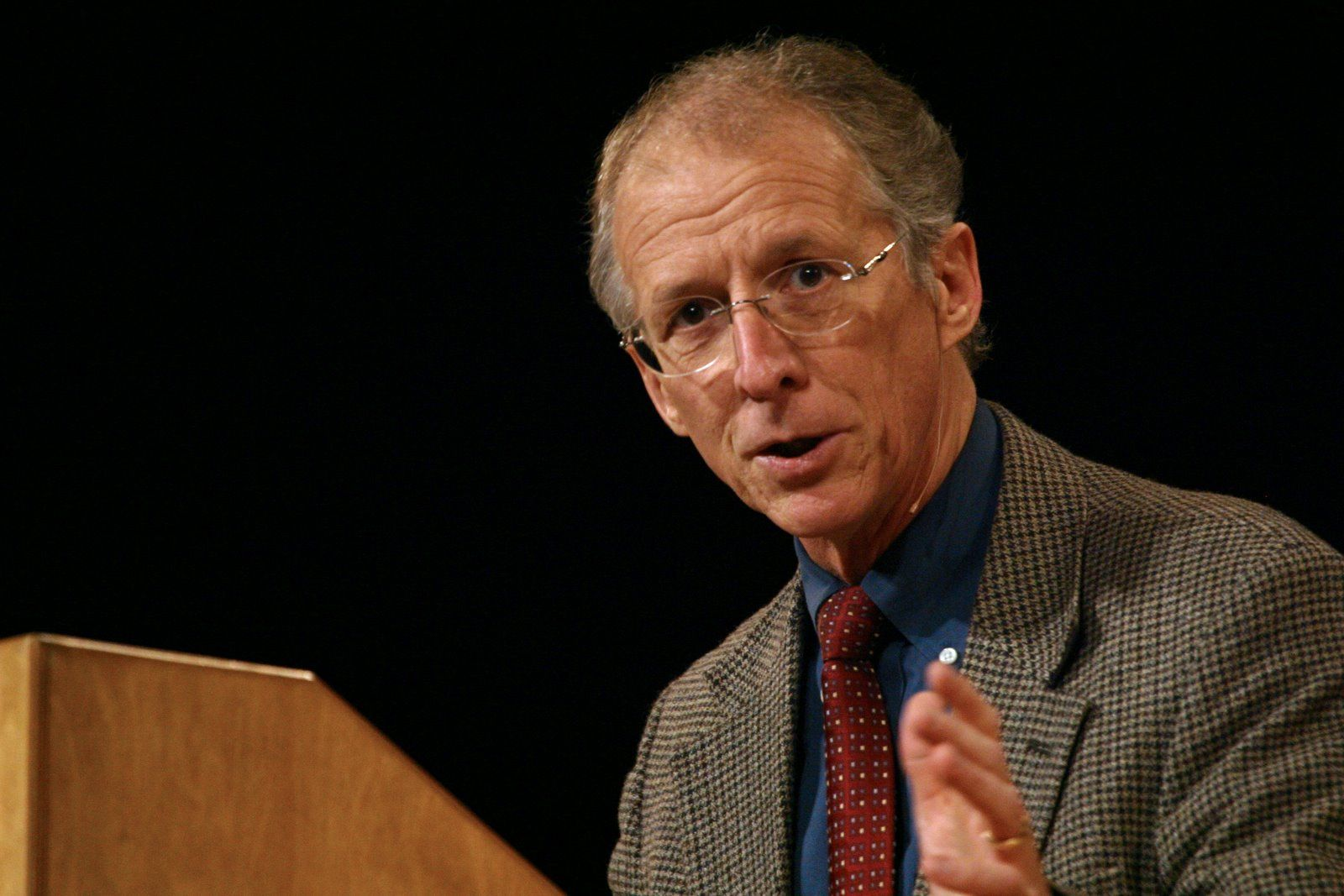 """The problems with John Piper's latest marriage advice to """"Kelly"""""""