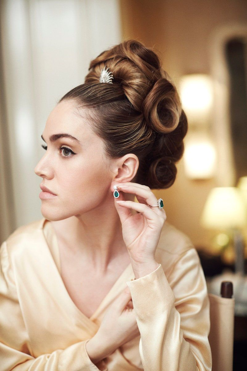 The Bride S Hair Was Audrey Hepburn Inspired At This Intimate New York City Ceremony In 2020 Audrey Hepburn Inspired Audrey Hepburn Hair Audrey Hepburn