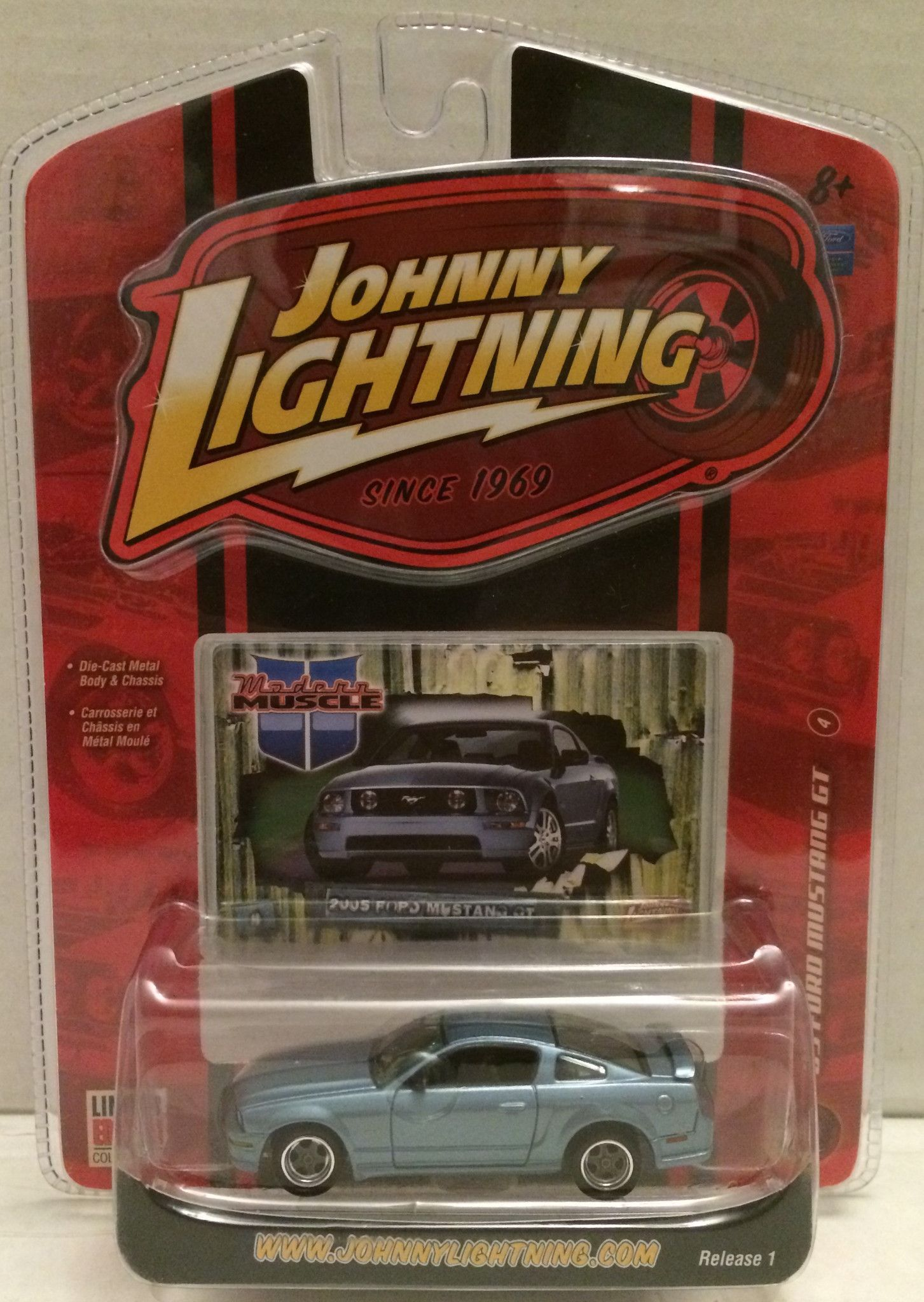Tas009409 2007 Johnny Lightning 05 Ford Mustang Gt Die Cast Ford Mustang Gt Mustang Mustang Gt