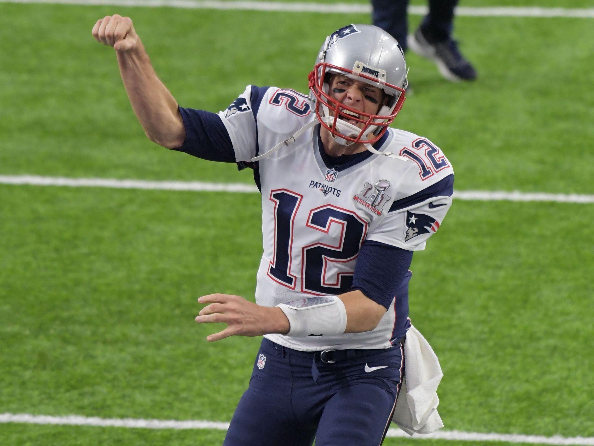 Patriots Quarterback Tom Brady Gets Fired Up Ahead New England Patriots Logo Manning Nfl Tom Brady