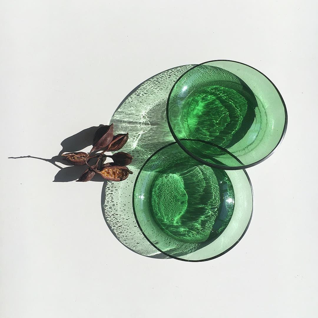 Reflejos desde el Taller Son las bases de unas damajuanas que transformé en lámparas Han quedado unos platos tan auténticos