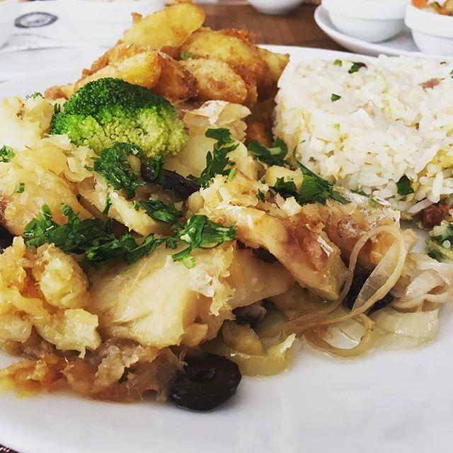 Lascas de bacalhau do @armazemcambui #armazemcambui #semprecomendo #comidadeverdade #bacalhau #tasty #foodporn #comer #cambui #campinas #comidasaudavel