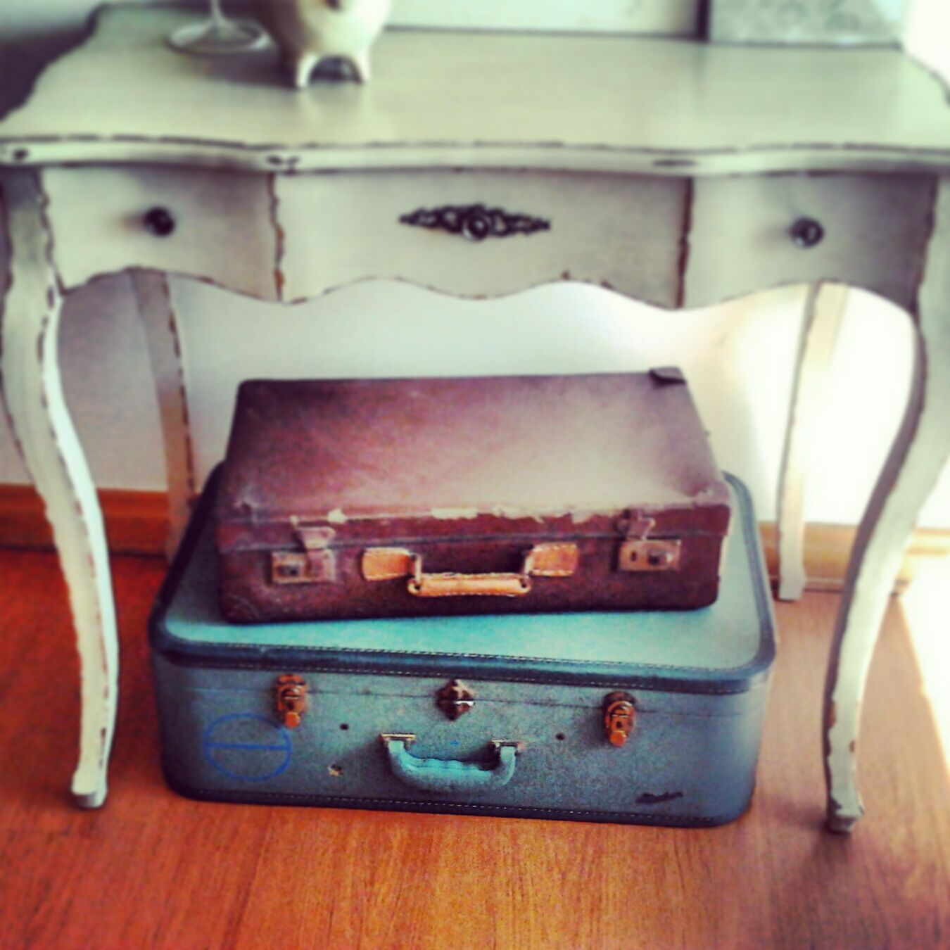 Oldschool suitcase to deco your room | deco | Pinterest | Deco and ...