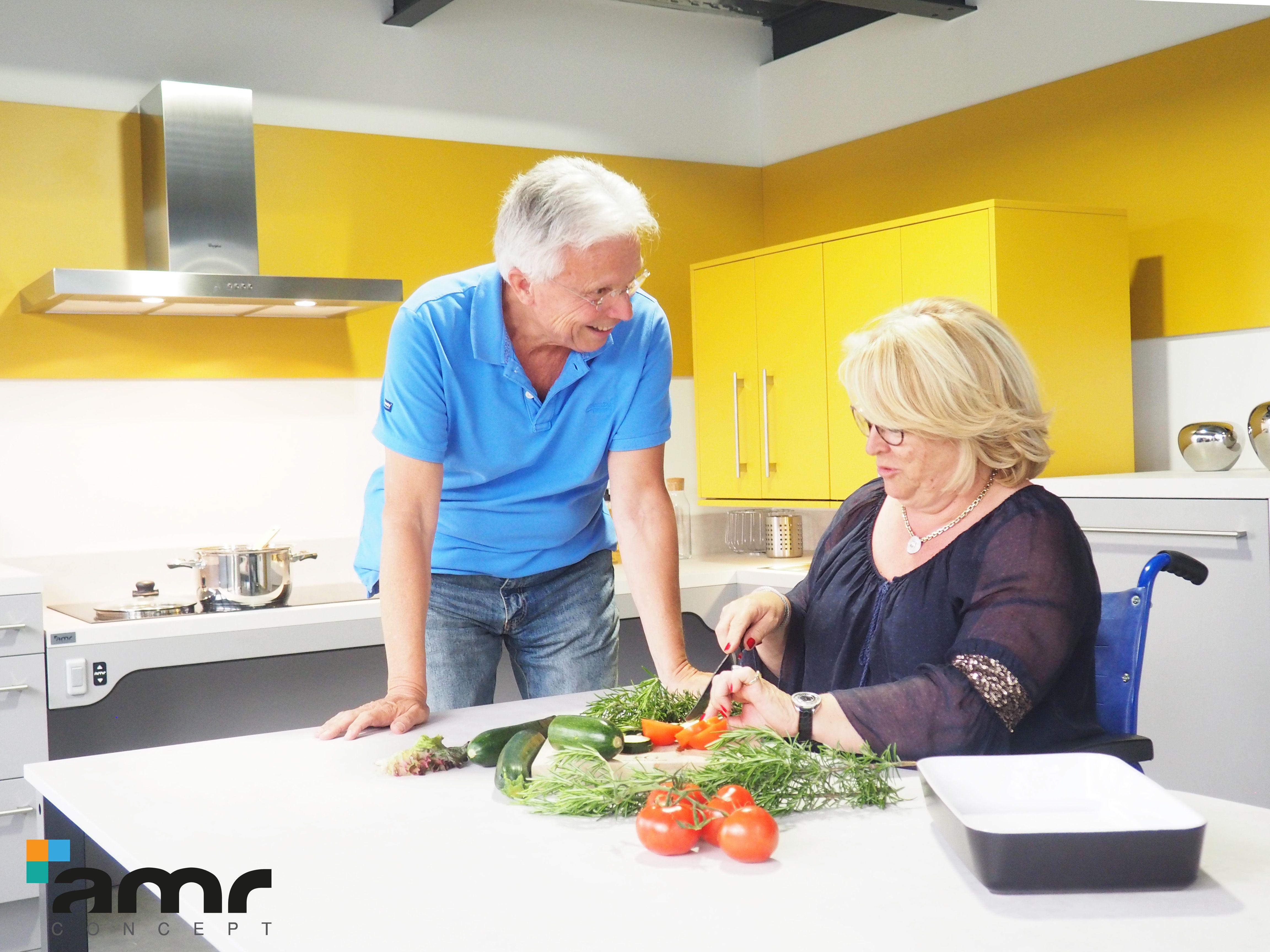 Cuisine Adaptee Au Seniors Pour Plus De Confort Table Plan De