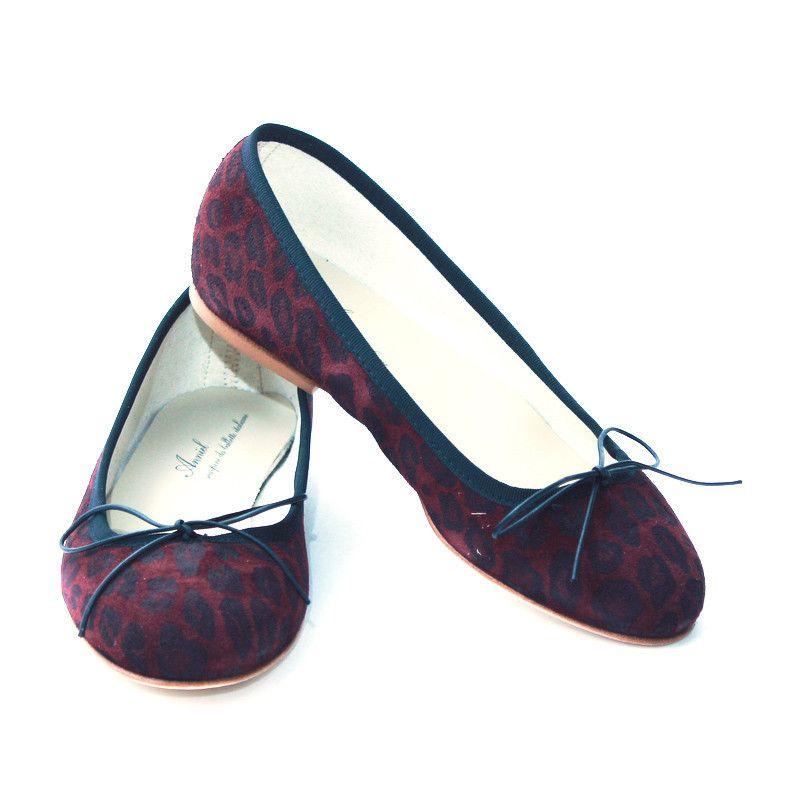 Shoespie Classy Rhinestone Appliqued Court Shoes | Women