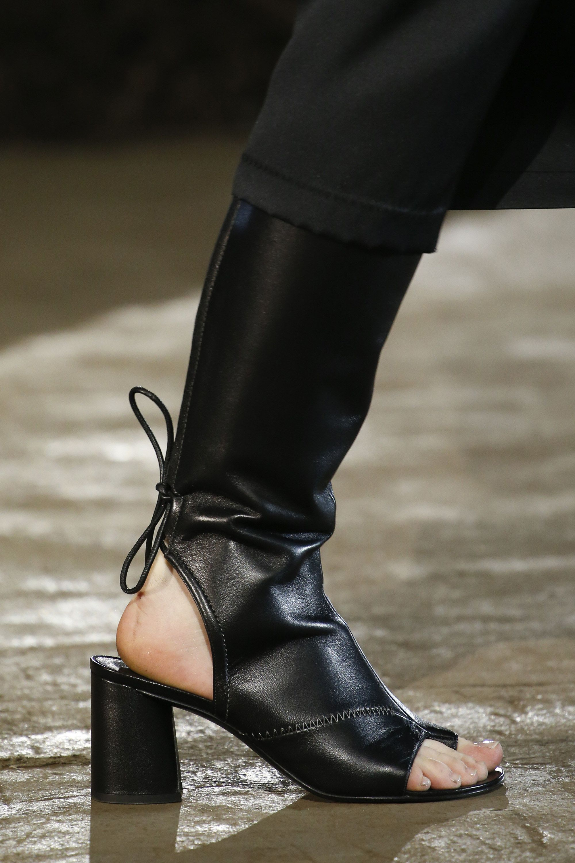 3.1 Phillip Lim Spring 2016 Ready-to-Wear Accessories Photos - Vogue b293c74f47fa1
