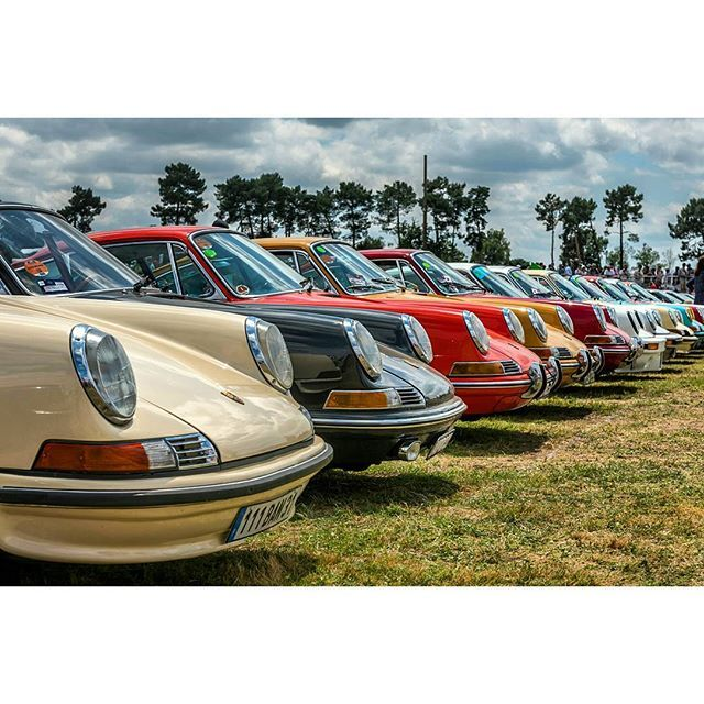 Classic colour porn at the Le Mans Classic  #cult911 #porscheartdaily #porsche #porsche911 #porscheclassic #lemansclassic #nikon #d750 #2470mm