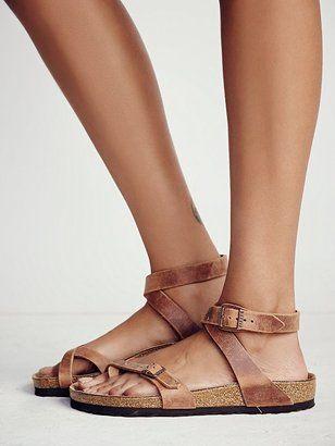 sandale femme Birkenstock anatomique plante confortable sandale à  plateforme en marron clair. Birkenstock Yara f46e6aedf17d