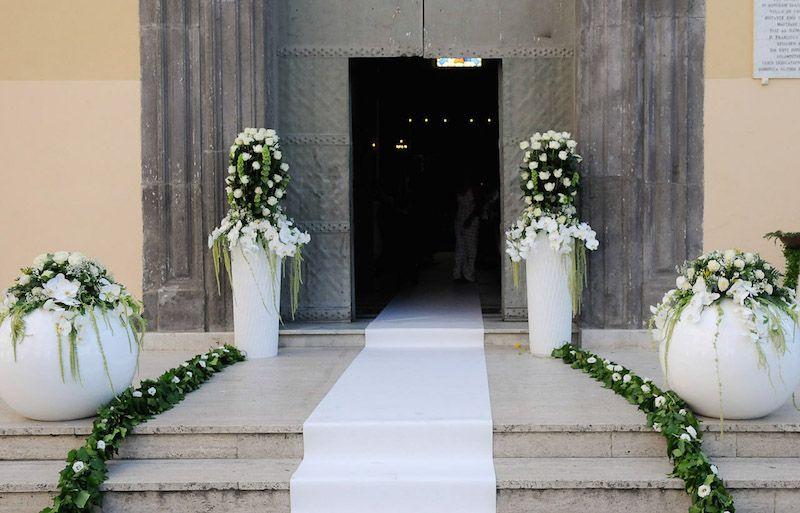Gli addobbi floreali per la chiesa ecco dove collocarli - Addobbi casa per matrimonio ...