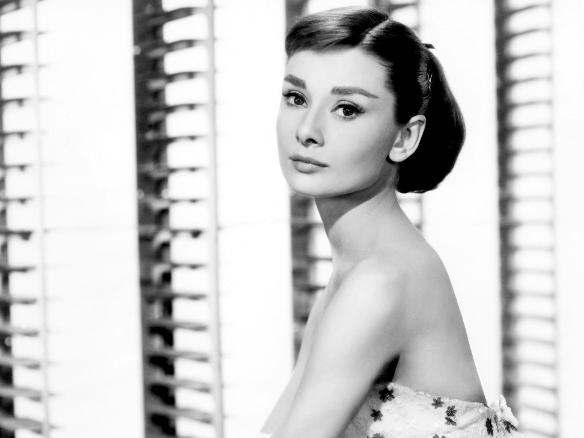 Audrey Hepburn Wallpaper Hd Audrey Hepburn Wallpaper Audrey Hepburn Images Audrey Hepburn