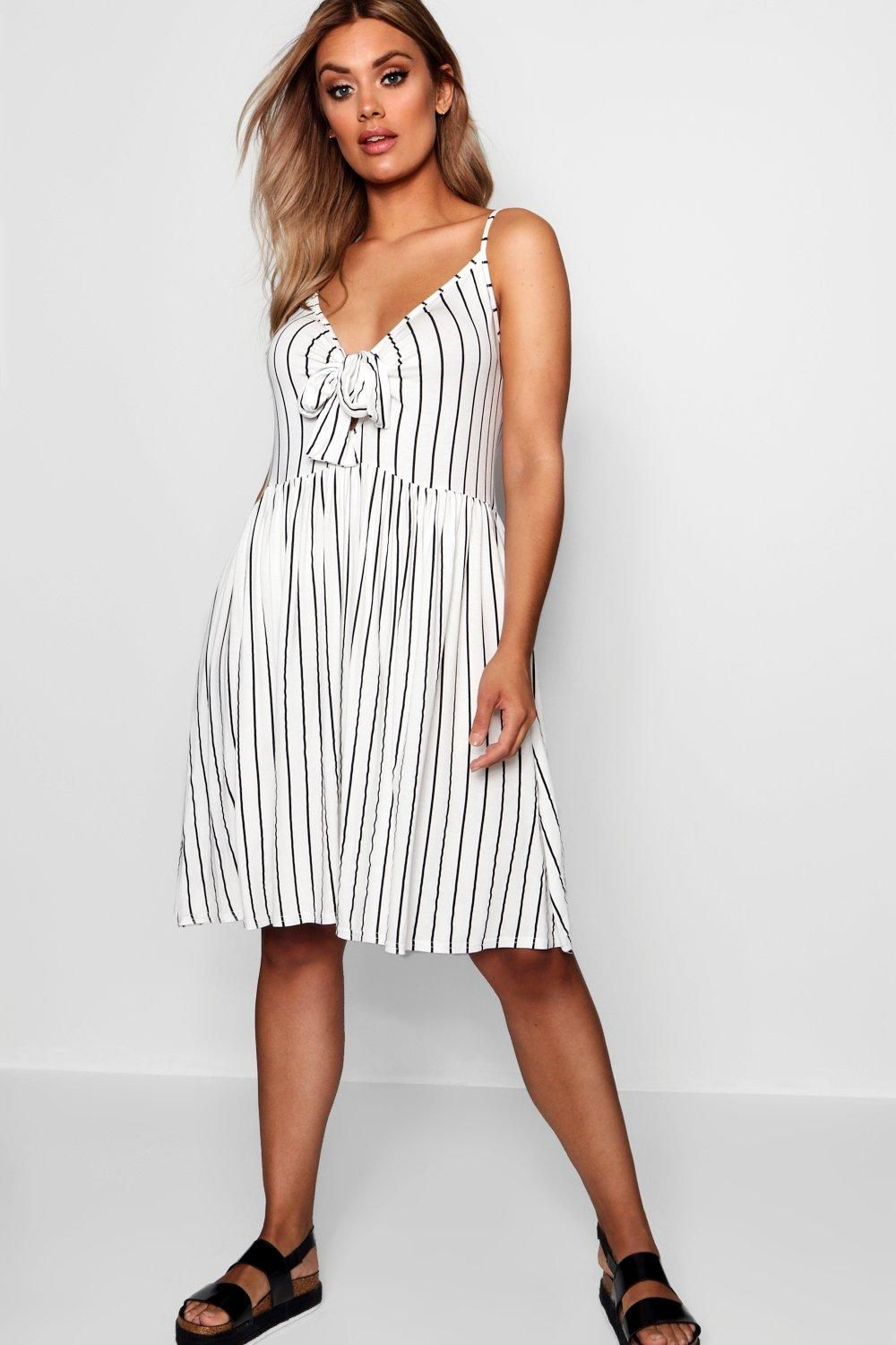 fe062ed52da Click here to find out about the Plus Tie Front Stripe Split Midi Dress  from Boohoo