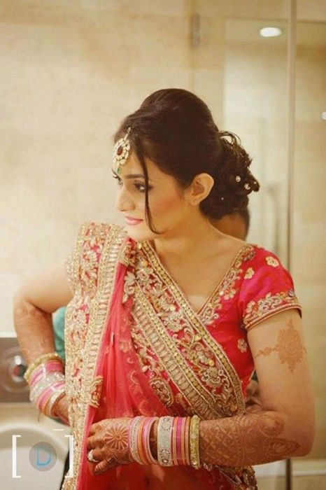 Five Top Wedding Hairstyles To Try This Wedding Season Dress Indian Style Indian Bridal Wear Indian Bride