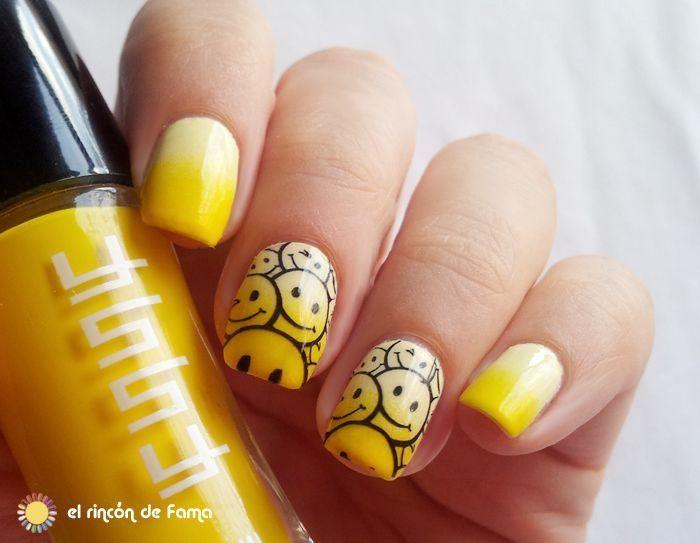 Una manicura degradada en amarillo de lo más simpática