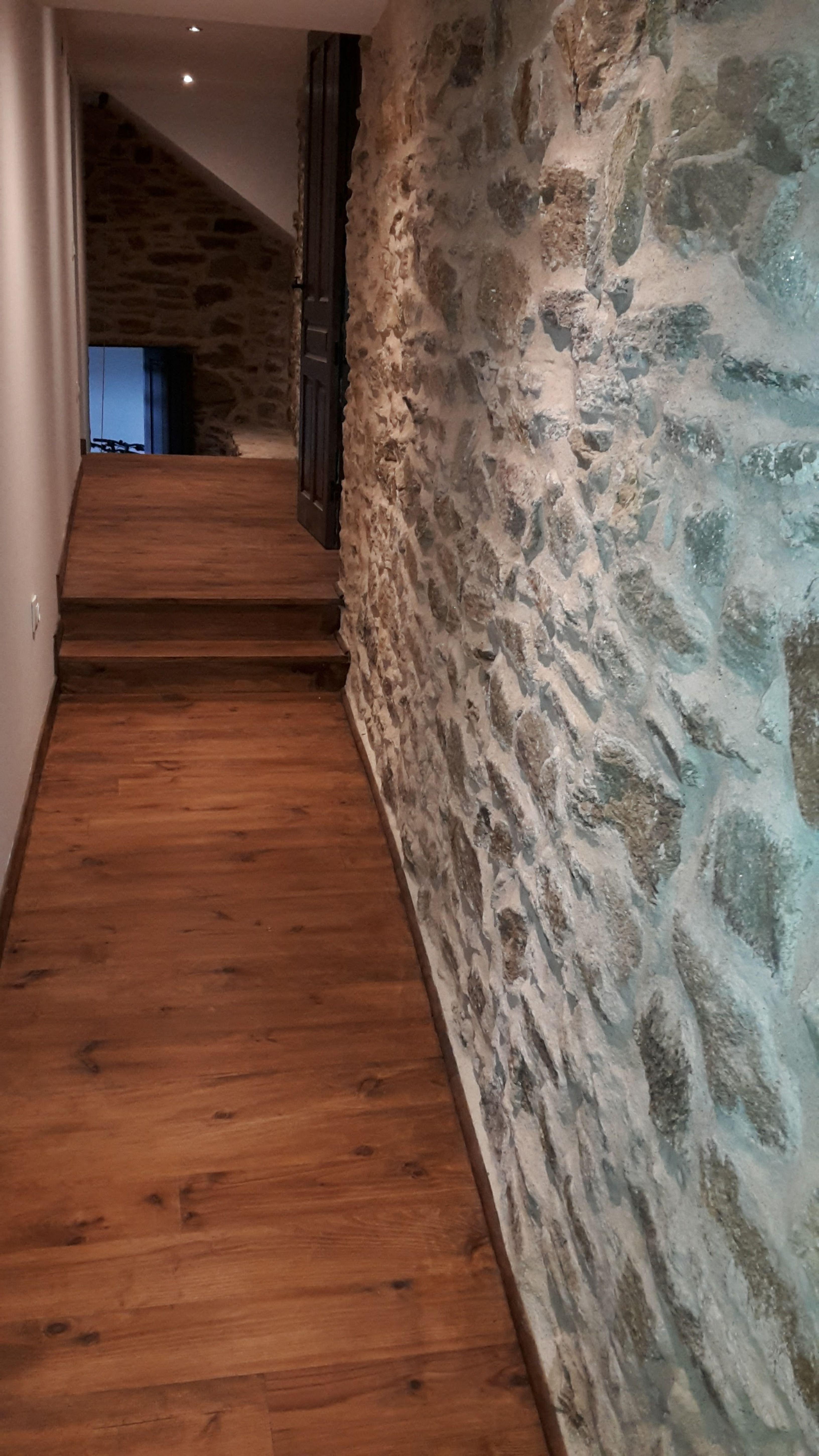 Mur Pierre Apparente Intérieur Épinglé par julie praud sur déco | mur en pierre, parquet