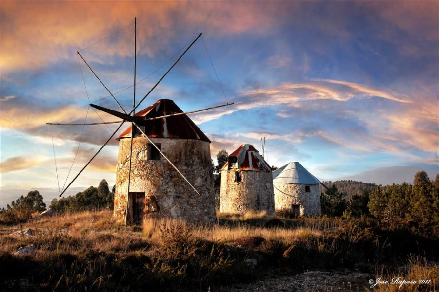 Wind Mills Of Gavinhos Portugal Villaggio Totem Porte