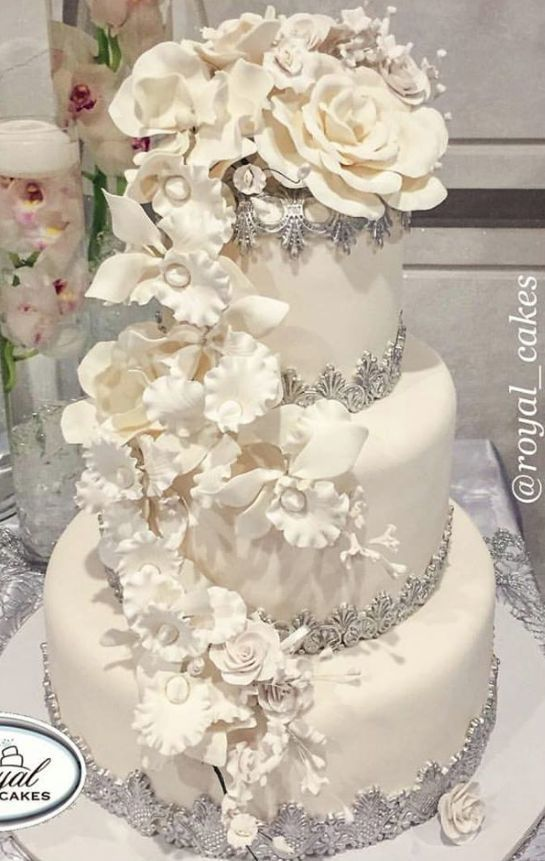Wedding Cake Inspiration - Royal Cakes & Design - MODwedding