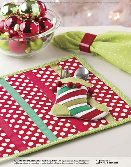 Pin By Rose Budinnh On Do It Yourself I Want To Do Christmas Placemats Christmas Sewing Projects Christmas Sewing