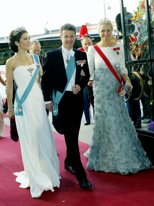 Crown Princess Mary wore this tiara for the Opera Performance during Queen Margrethe II's 70th Birthday Celebrations in April 2010.