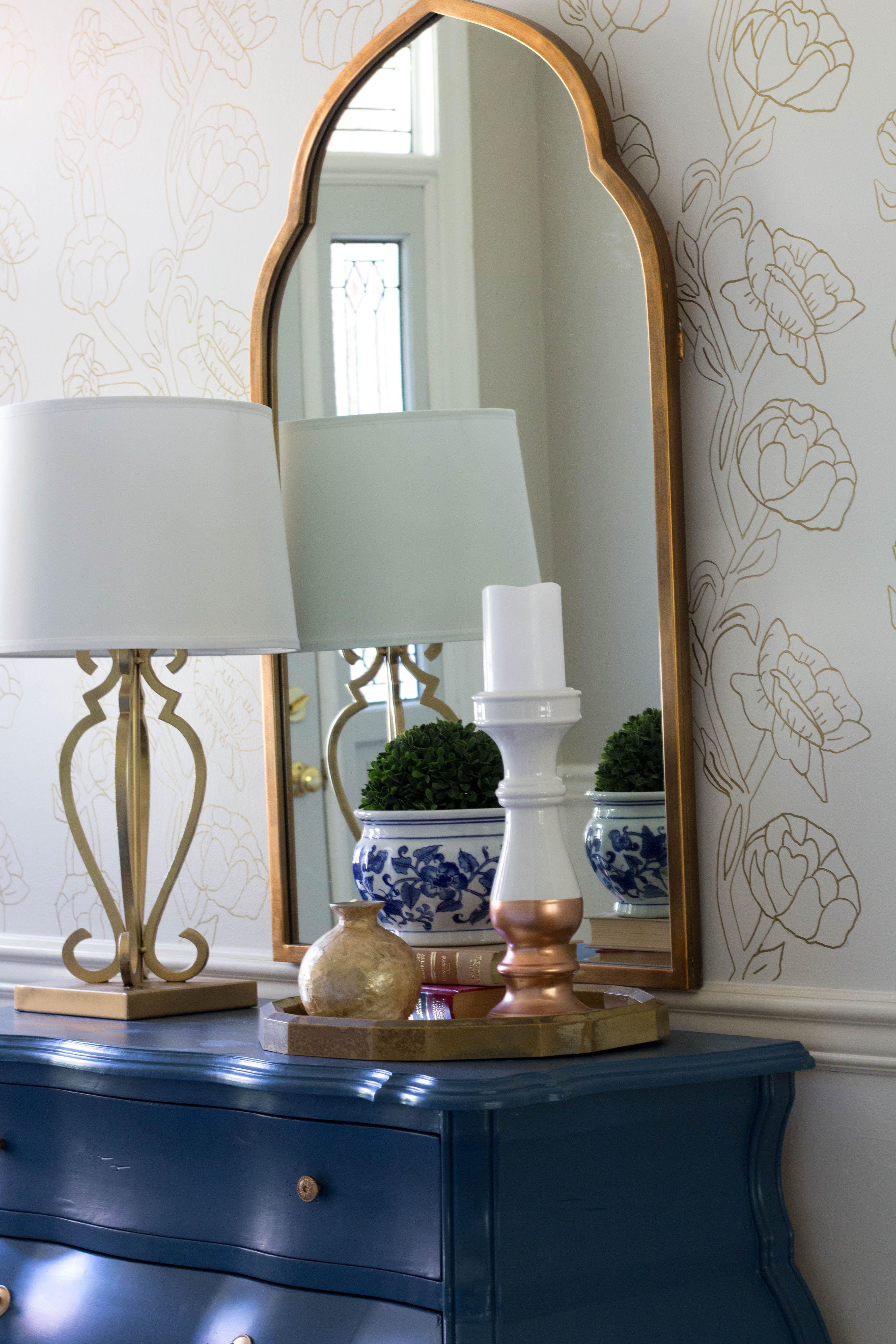 Diy faux floral wallpaper with sharpie pen floral