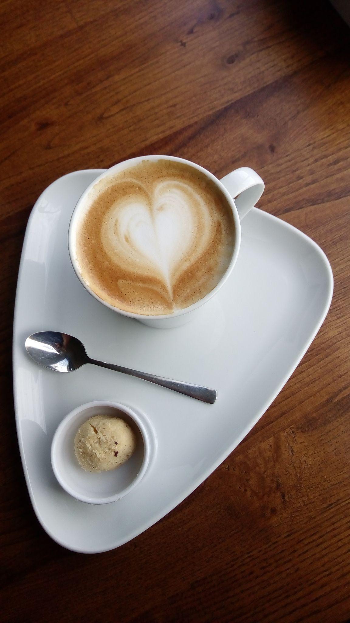 Pin By Jaroslava Kovářová On Espresso Yourself Good Morning Coffee My Coffee Shop Coffee Heart