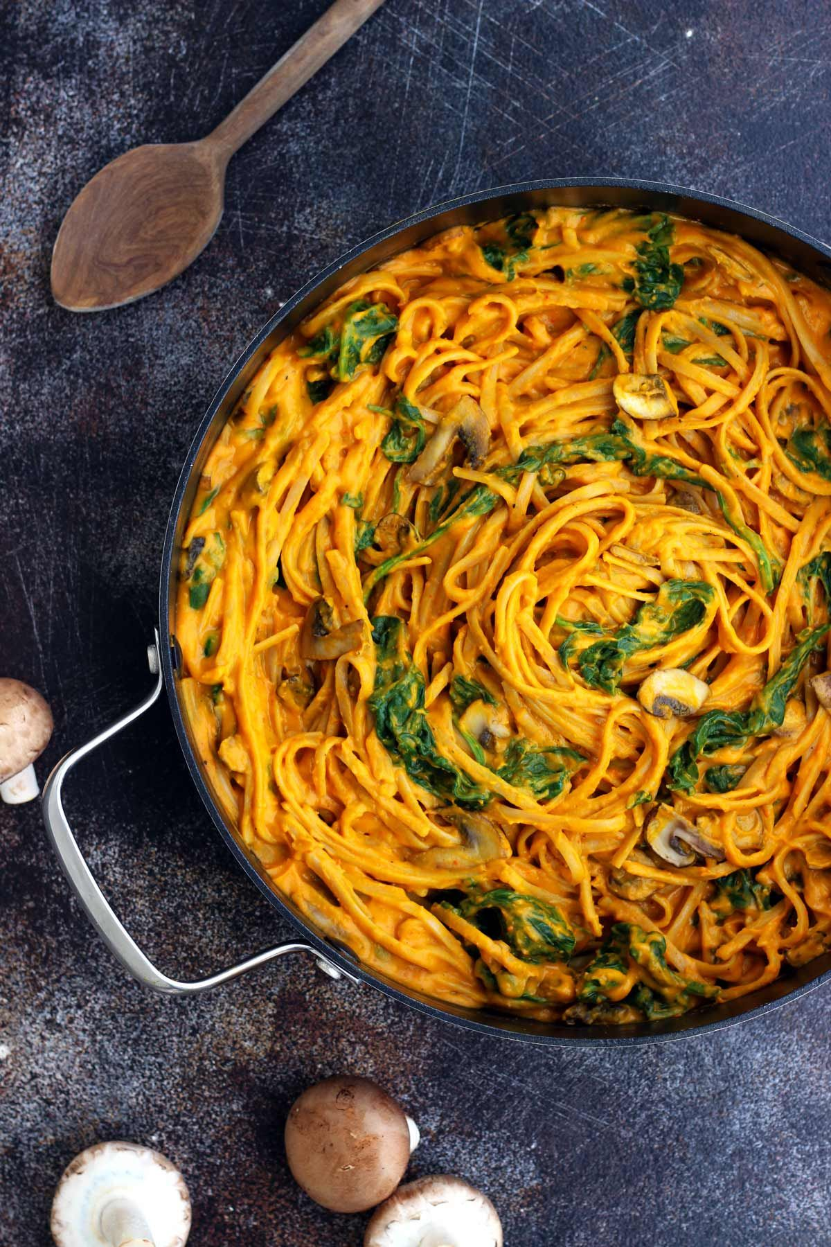 40 irresistible savory vegan comfort food recipes invierno phealthy pumpkin pasta with spinach and mushrooms delicious vegan 30 minutes forumfinder Gallery