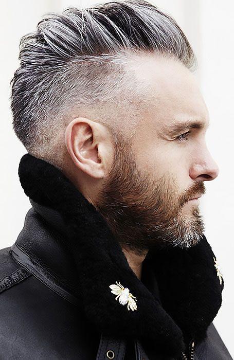 Per l uomo un po  brizzolato questo taglio è perfetto. Risalta ancora di  più il bello dell uomo con qualche capello bianco  gateoneparrucchieri  man   white ... 30dee9a691ad