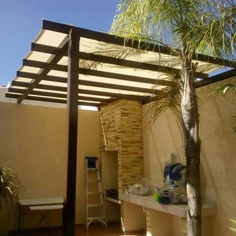 Malla sombra terraza pinterest mallas terrazas y asador for Jardines pequenos techados