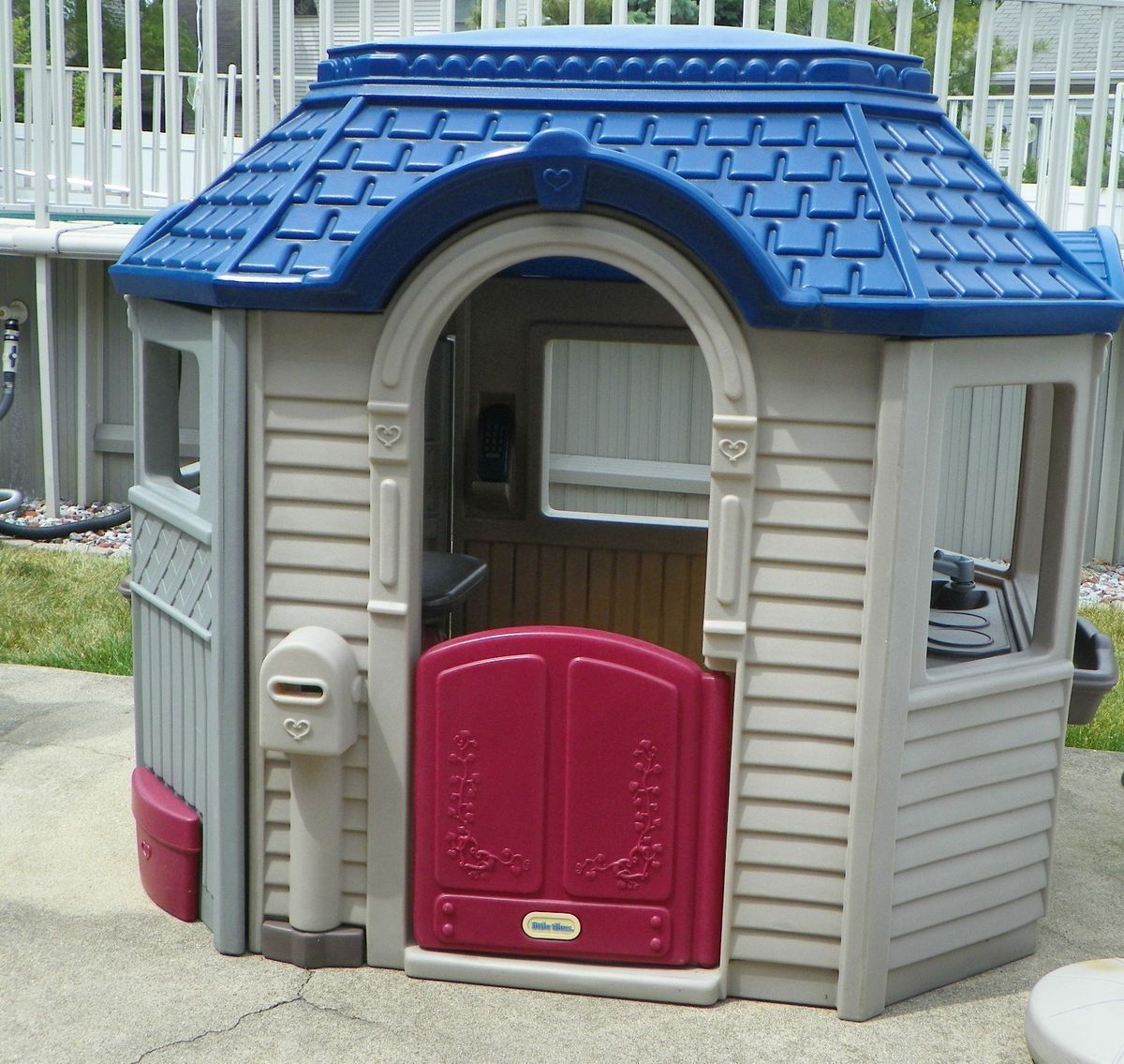 little tikes endless adventures patio playhouse spray paint rh pinterest ca little tikes picnic on the patio playhouse ebay little tikes patio pink cottage - Little Tikes Picnic On The Patio Playhouse