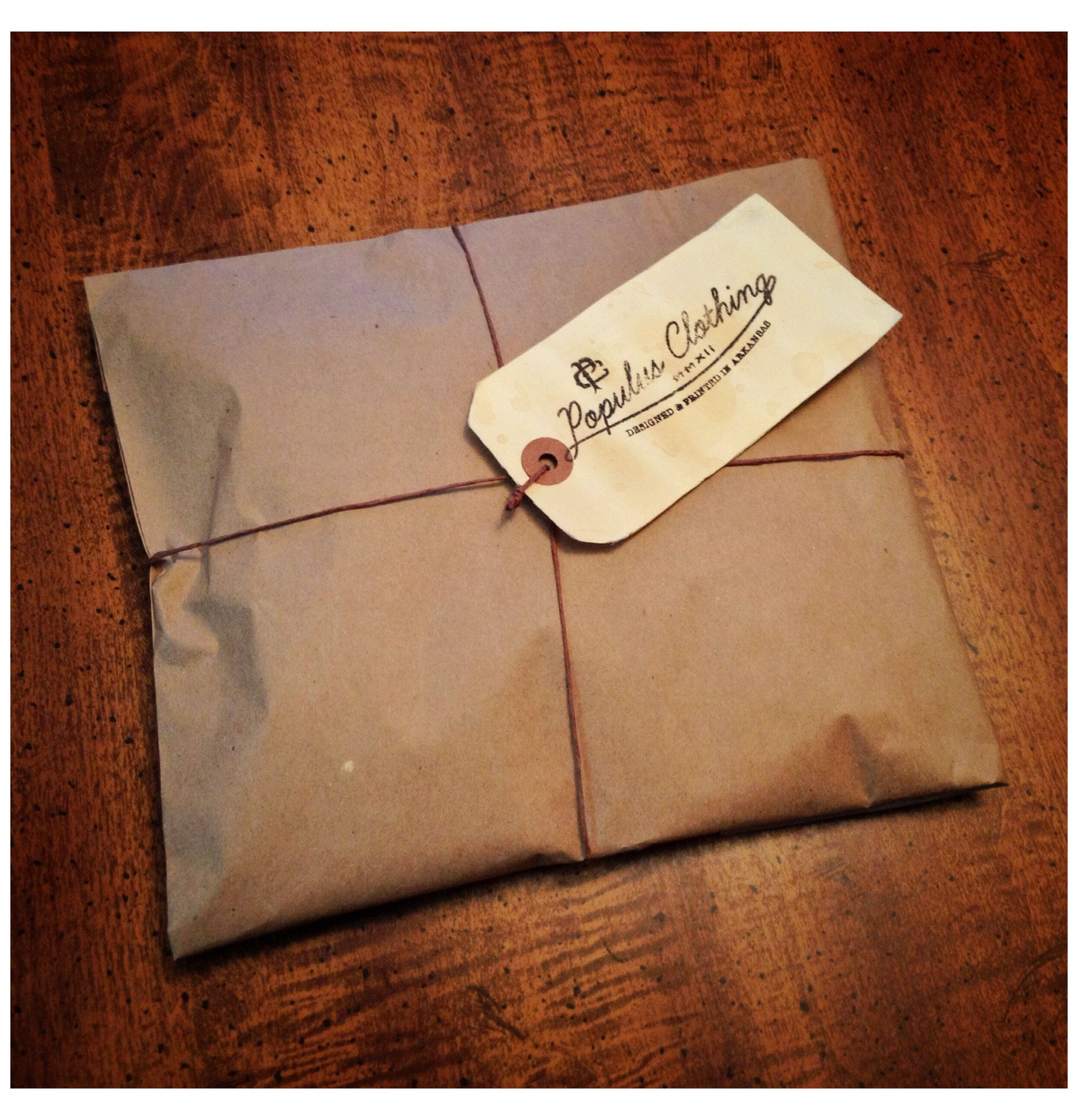Vintage Clothing Packaging In 2020 Clothing Packaging Shirt Packaging Vintage Packaging