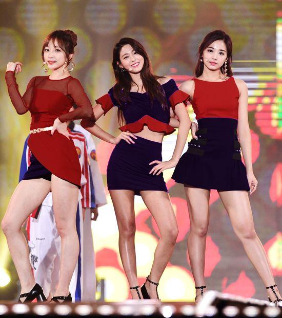 「Hani, Seol Hyun, Tzuyu」的圖片搜尋結果