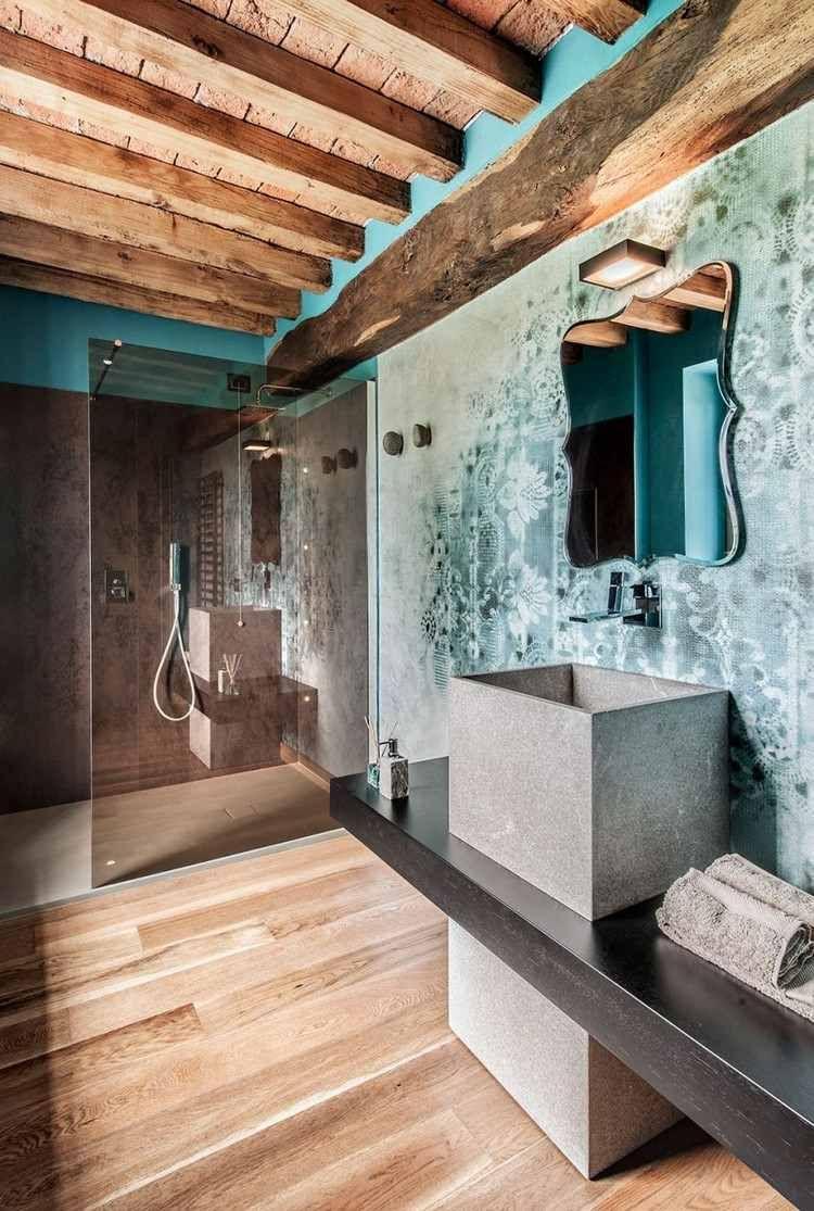 plafond bois poutres apparentes salle bains rustique poutres pinterest maison plafond