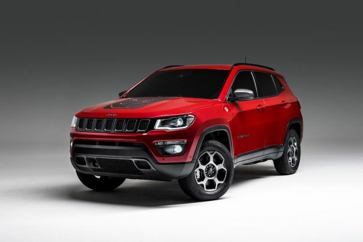 Jeep Electrifies Renegade Compass With Plug In Hybrid Powertrains Jeep Renegade Jeep Compass Jeep