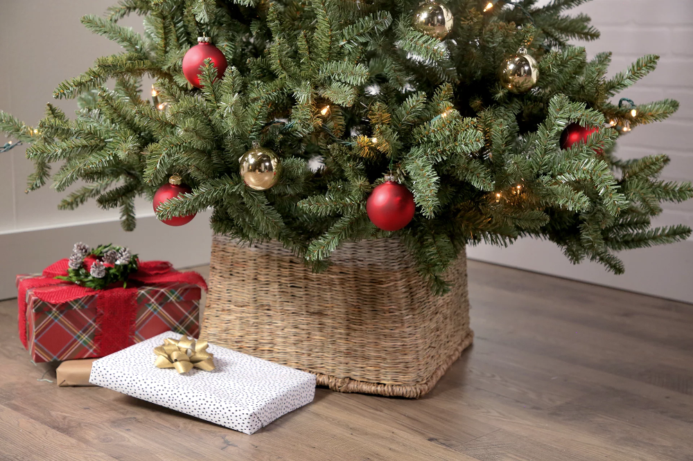 3 Genius Hacks for DIY Christmas Tree Collars Christmas