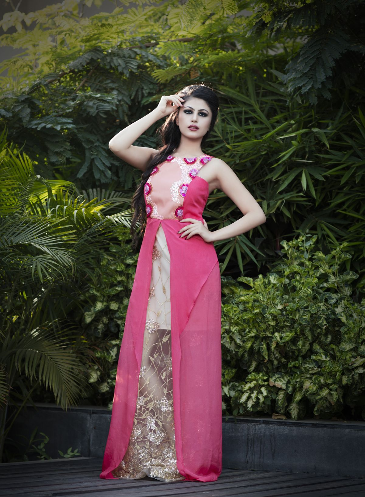Pin de Dipali Shah en Resort wear gown | Pinterest