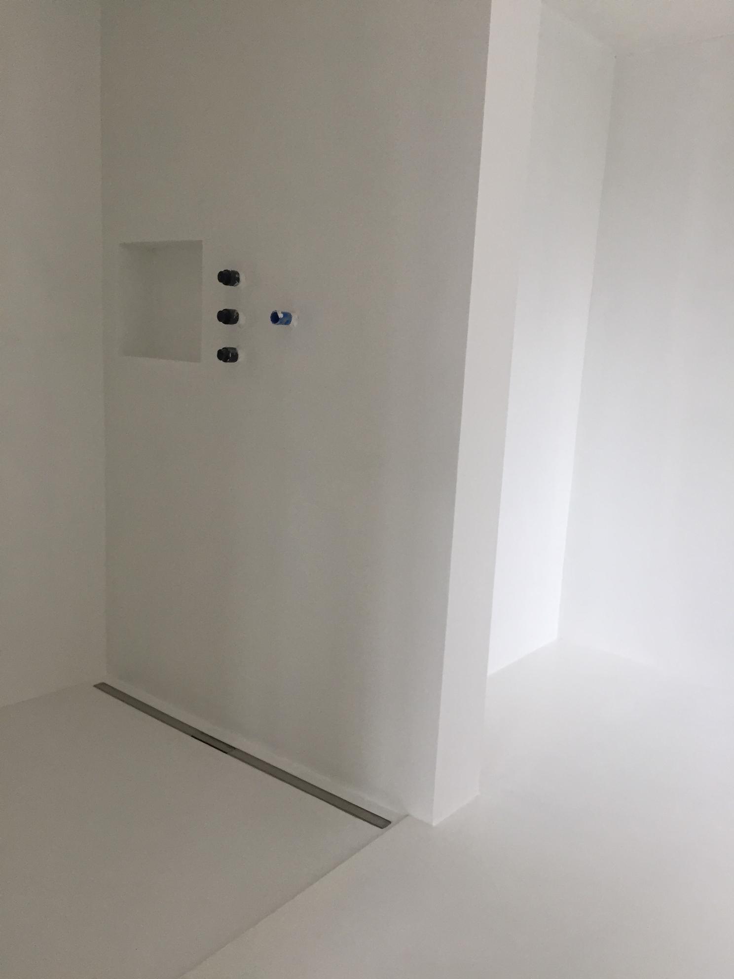 Artundcolour Fugenloser Wand Bodenbelag Liscio Bianco By Topciment In 2020 Wand Wande Spachteln Belag