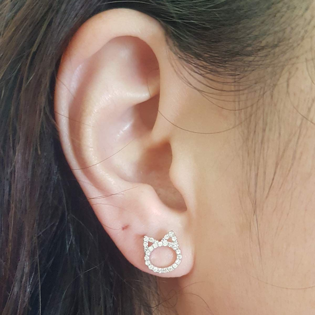 0 25 Carat Ctw Round White Diamond Ladies Cat Stud Earrings 1 4 Ct You Can Find More Details By Visiting The Im In 2020 Cat Earrings Studs Stud Earrings Earrings