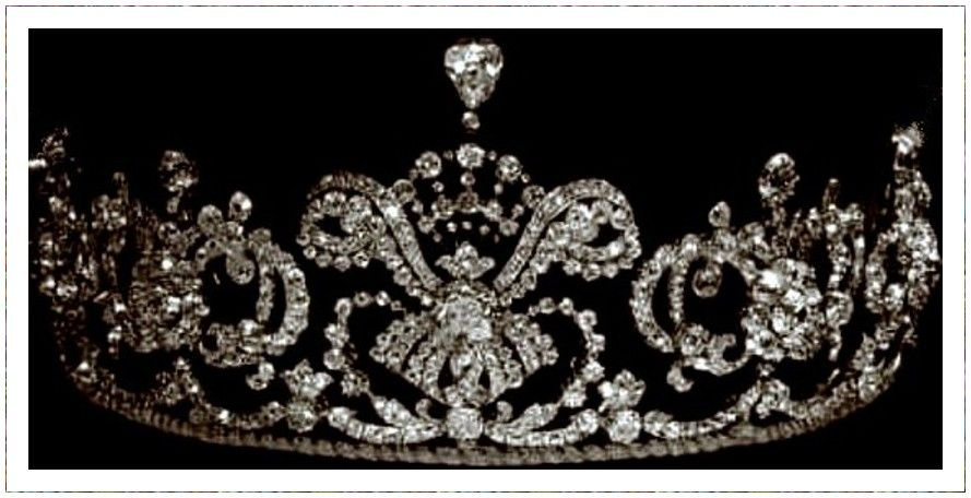 an old black and white photo of the Hohenberg tiara by Kochert