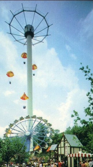 The Sky Chuter At Six Flags Over Mid America In The 70 S Tallest Thrill Ride In The World At The Time At 250 Six Flags Nightlife Travel Six Flags Over Texas