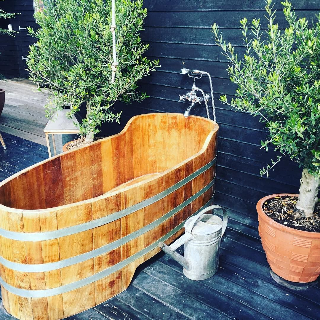 Backyard Bathtubs for Soaking Up the Great Outdoors - Outdoor Tubs Are the Most Country Thing You Never Knew You Needed