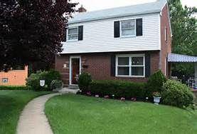 White Siding Red Brick Black Shutters Bing Images White Siding House Exterior Black Shutters