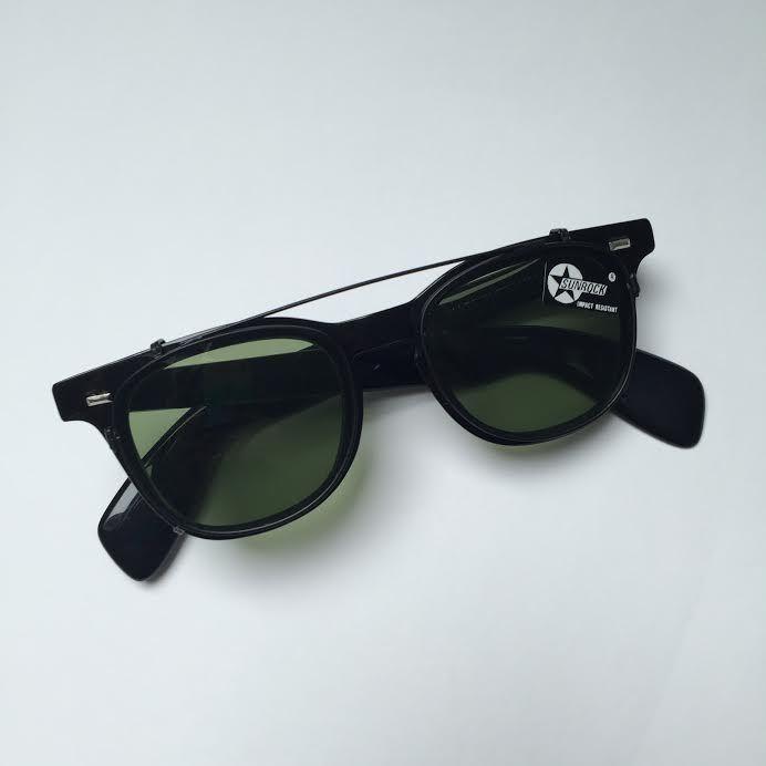 young-girl-vintage-black-sunglasses-sex-squezing