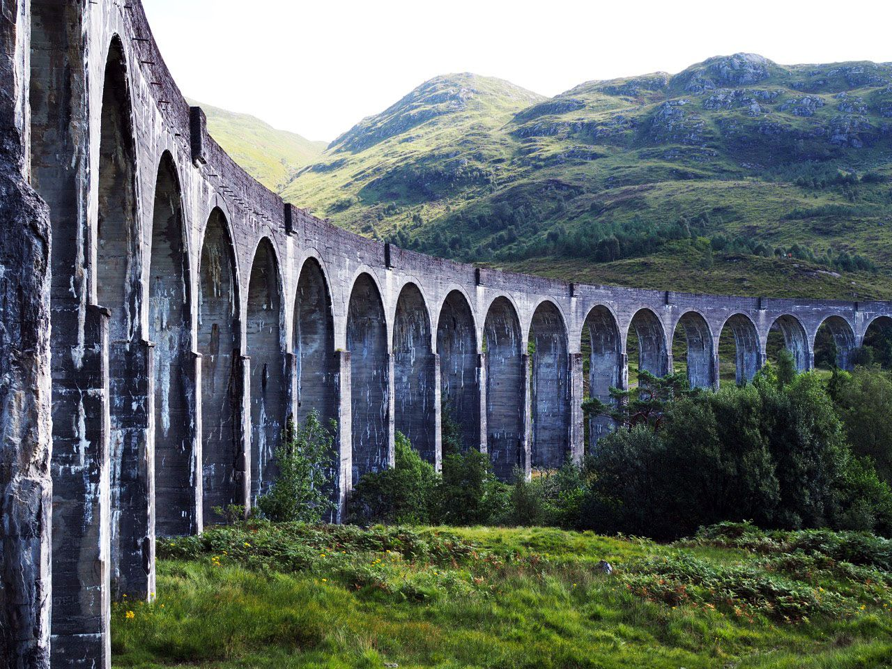 How To Ride The Harry Potter Train In Scotland To Europe And Beyond Harry Potter Train Harry Potter Train Scotland Harry Potter Places