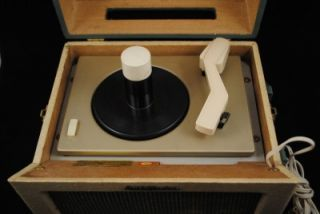 Vintage RCA Victor 45 Record Player 1960's Model 8 EY 31 He Clean