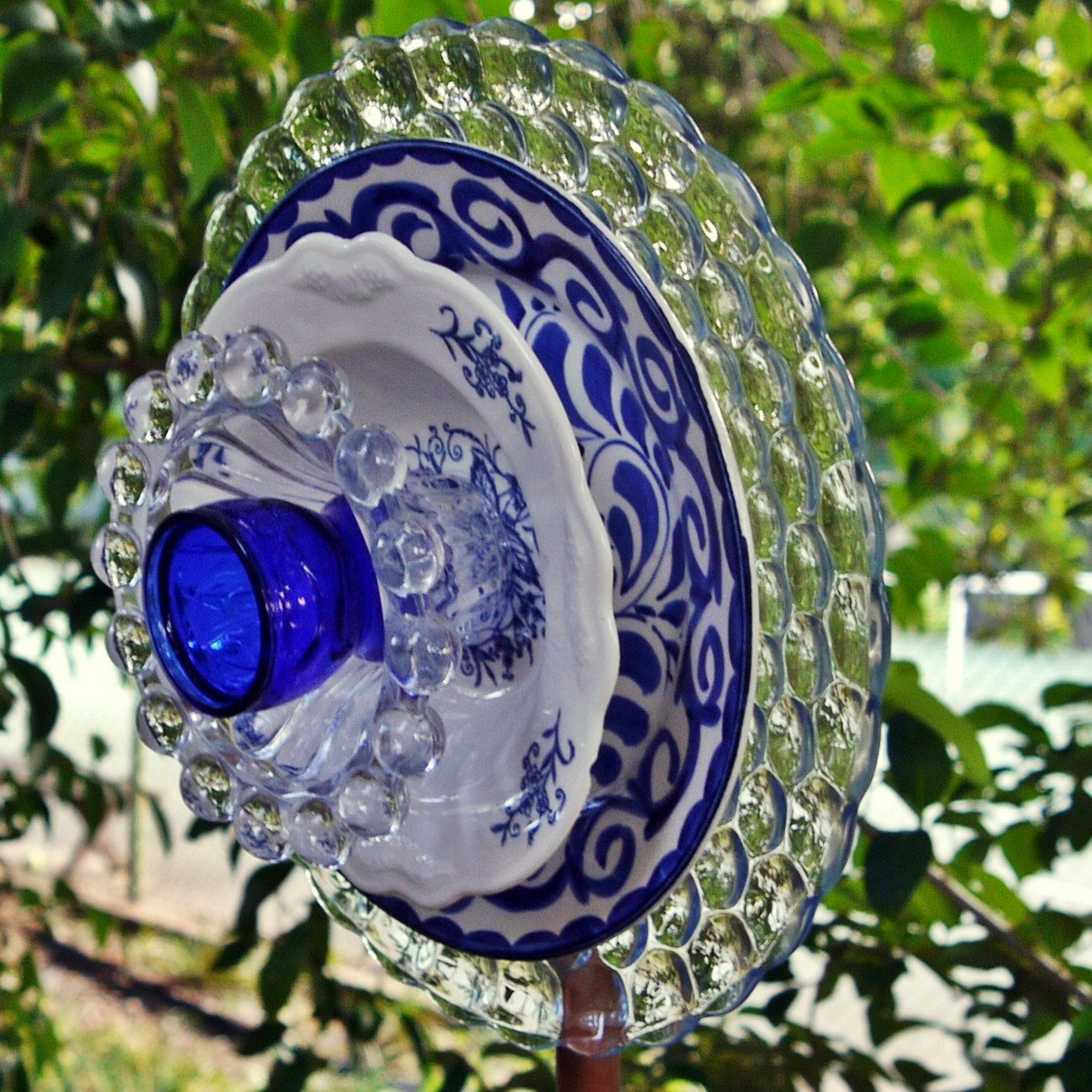 garden flower art - blue glass plate flower, garden yard art
