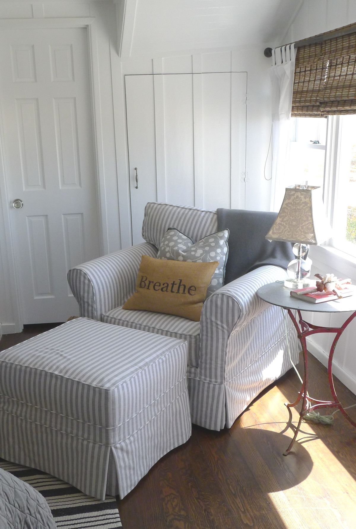 reading modern blue cozy window chair under grey for glass well upholstered chairs furniture table as color placed nerd f on and with lampo comfy nook super treliss also accent roman ottoman endearing storage comfortable carpet pleasure nail white added sofa m l using shade t