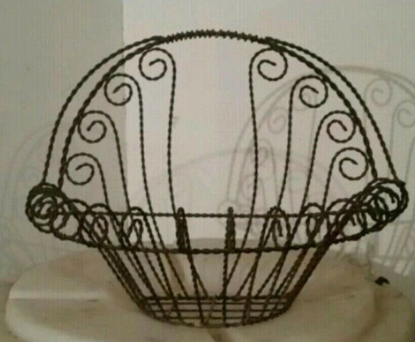 Vintage Large Shabby Chic Twisted Metal Wire Garden Basket Planter Wall Mount Fashion Home Garden Ho Shabby Chic Garden Decor Twisted Metal Basket Planters