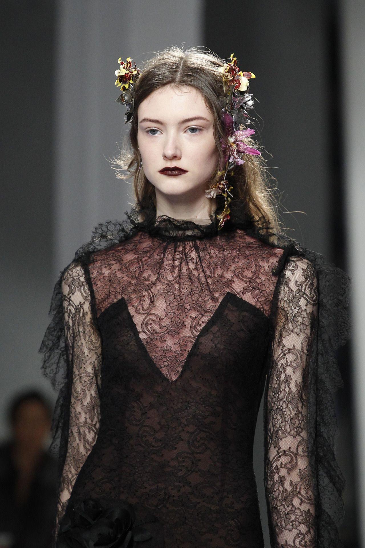 Enhance U Fashion Detail Rodarte New York Fashion Week Fall 2016 Runway Designers In 2020 Fashion Fashion Show Witch Fashion