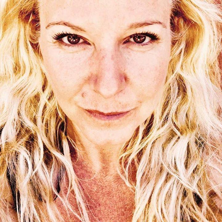Mira mis ojos...mira mis sueños. Prefiero hablar de amor sin dolor #terapiasnaturales #amazonsecretsspa #sheilafarah #puntadeleste #buenosaires https://www.instagram.com/amazonsecrets/ http://amazonsecretsspa.com/ www.amazonsecretsspa.com